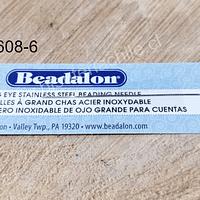 Aguja de acero inoxidable de ojo grande para cuentas, largo 5.7 cm de largo, marca beadalon