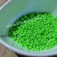 Mostacilla color verde neón de 1,5 set de 50 grs.