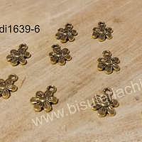Dije dorado en forma de flor, 10 mm, set de 10 unidades