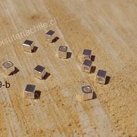Separador baño de plata cuadrado, 3 x 3 mm, agujero de 1,5 mm, set de 10 unidades