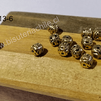 Separador dorado con diseño, 6 x6 mm, set de 13 unidades