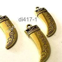 Dije dorado en forma de colmillo con diseño, 25 mm de largo por 10 mm de ancho, set de 3 unidades