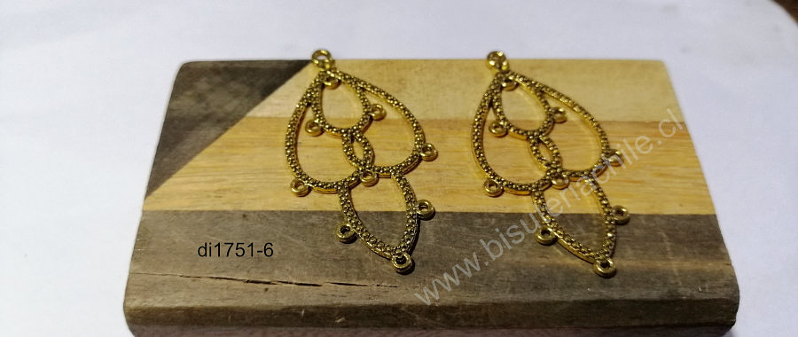 Base de aro dorado, 46 mm de largo por 26 mm de ancho, por par