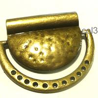 Colgante envejecido, con perforaciones, 36 mm de alto x 44 mm de ancho por unidad