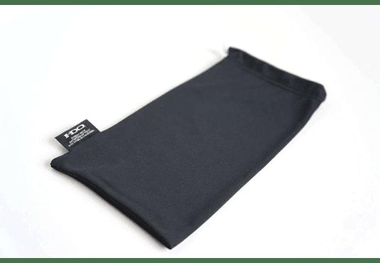 Estuche de almacenamiento y limpieza Oakley color Negro cod. 06-587