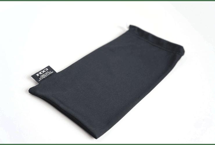 Estuche de almacenamiento y limpieza Oakley color Negro cod. 06-587 - Image 1