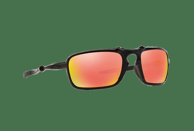 Oakley Badman Dark Carbon lente Ruby Iridium Polarized cod. OO6020-0360 - Image 11