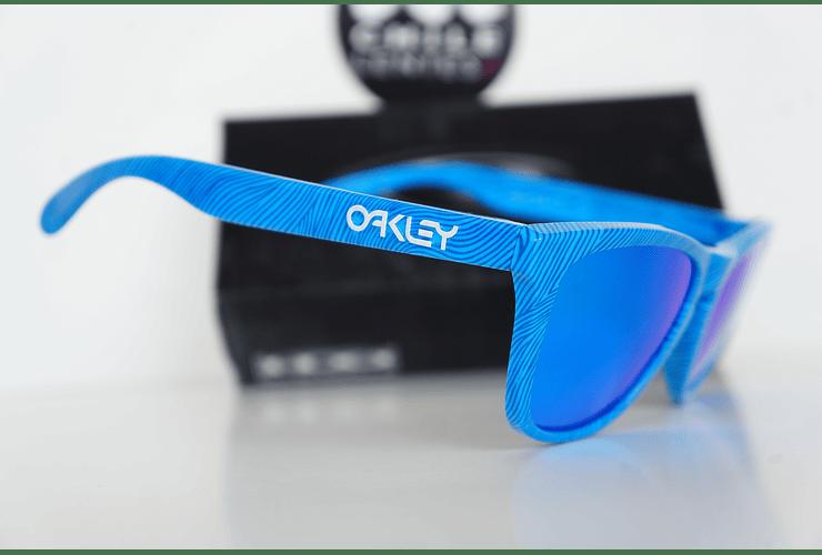 Oakley Frogskins Ed. Especial Fingerprint Sky Blue lente Sapphire Iridium cod. OO9013-55 - Image 4