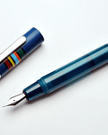Opus 88 Pluma Fantasia Blue - Plumin Aleman