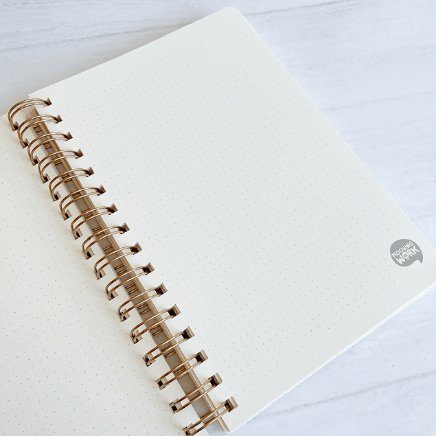 Cuaderno Tapa Dura A5 Puntos Blanco