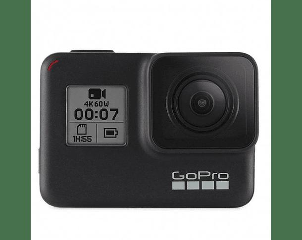 GoPro 7 Black + MicroSD 32GB + Cargador Dual + 2 Baterías + Bastón + Estuche