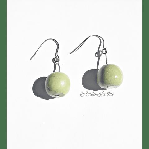 Aros colgantes color verde