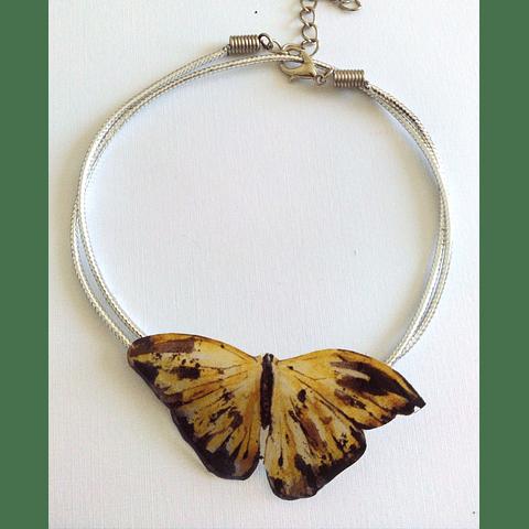 collar mariposa resina