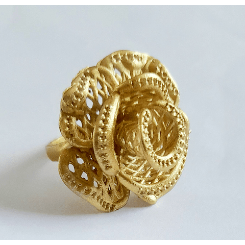 Flor talla 18 dorado