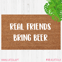 Tapete Real Friends Bring Beer
