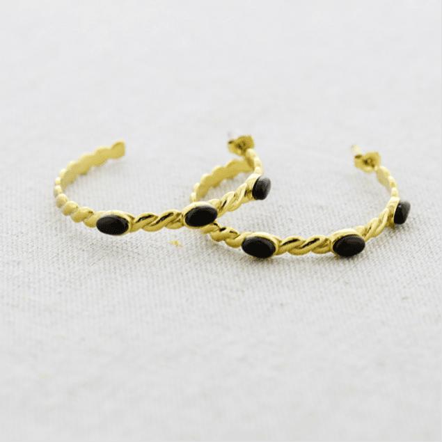 Argollas torcidas doradas con piedra negra