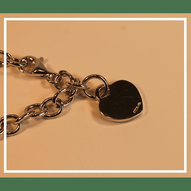 Pulsera plata con colgante corazon