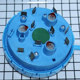 Presostato 4 Niveles Punto Verde Lavadora Mabe 228C2084P003 CR440636 | Repuestos para Lavadora