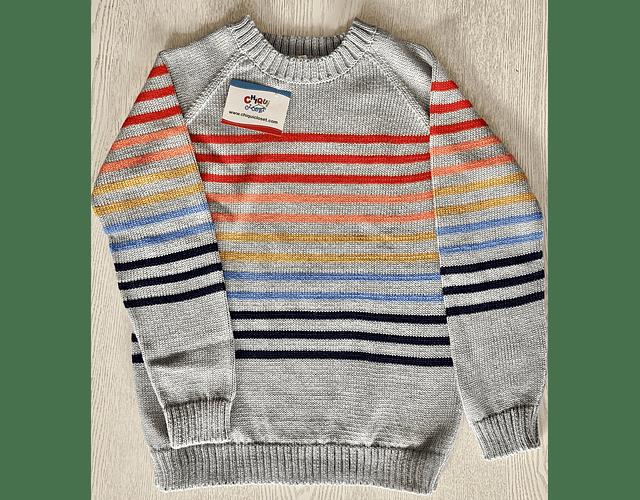 Sweater gris con rayas de colores