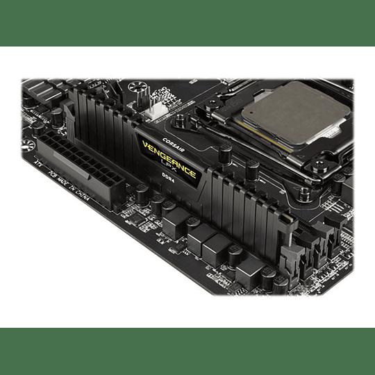 Corsair Memoria RAM Vengeance  DDR4 8 GB  3000 MH