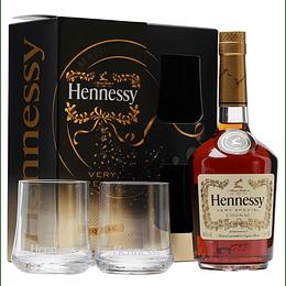 Cognac Hennessy V.S 700cc + 2 Vasos.
