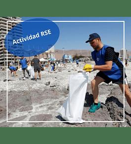 """Actividad de limpieza de la playa """"Las Urracas"""""""