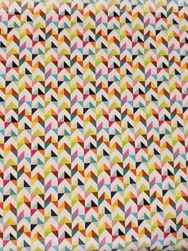Licra triângulos coloridos