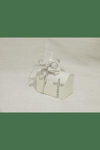 C14320 - Bau beje decorado comunhão com cruz de brilhantes