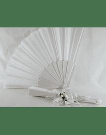 C17000 Leque branco decorado com mini noivos