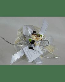 C17002 Frasquinho de mel decorado com mini noivos