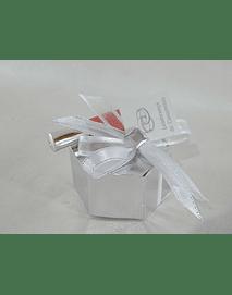 C17009 Caixa hexagonal prata decorado com lip gloss