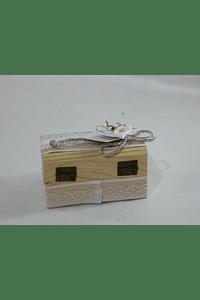 C18001 Bau madeira decorado com jarro