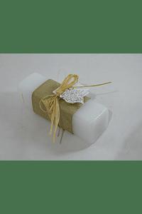C18002 Vela retangular decorada com rafia e coração viana