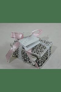 C18301 Caixa prata com terço decorada cor de rosa
