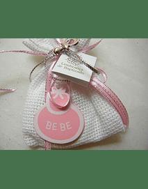 C15201 - Saco em tecido quadrilé com sabonete e decoração em rosa com babete
