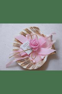 C15203 - Concha decorada em rosa com flor