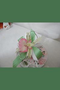 M15007 - Caixa em cartão redonda decorada a verde