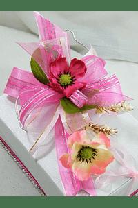 M15116 - Caixa branca retangular, média, decorada em rosa com flores e arame