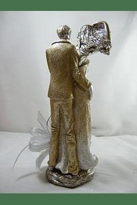 M15507 - Estatueta em Resina com Lindo Casal, Decorada em Prata