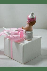 C15228 - Caixa cartão decorada em rosa com bebé biberão