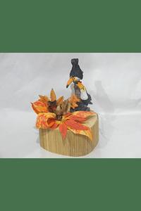 O1807 Coração grande em bambu decorado com Tucanos