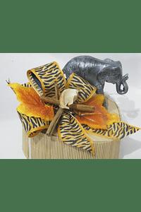 O1808 Coração grande em bambu decorado com elefante