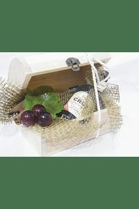 O1811 Bau com garrafa vinho porto decorada