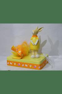 P20100 - caixa metal amarela retangular grande com coelha