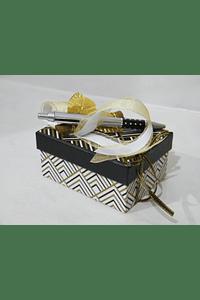 P20402 - Caixa retangular pequena decorada beije com caneta