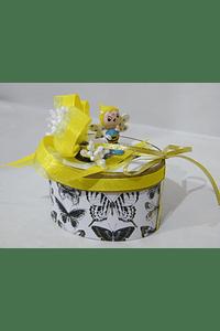 P20017 - Caixa oval decorada com pequena abelha