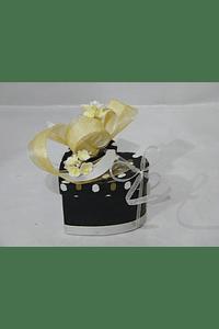 P20401 - Caixa coração cartão pintinhas decorada