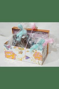 P20321 - Caixa em cartão recheada decorada nos tons rosa e verde menta
