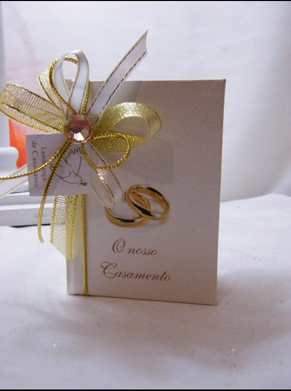 C15002 - Livro de anotações com capa dura bege com inscrição