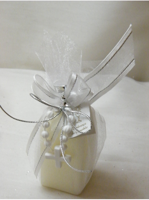 C15308 - Vela no tule decorada a branco e prata com dezena